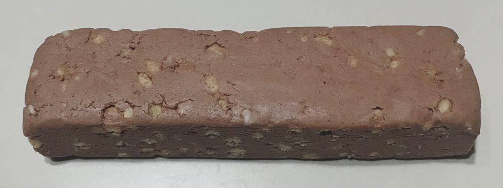 ナチュラルローソンで買えるプロテインバーのストロングバーカカオブラック風味の中身