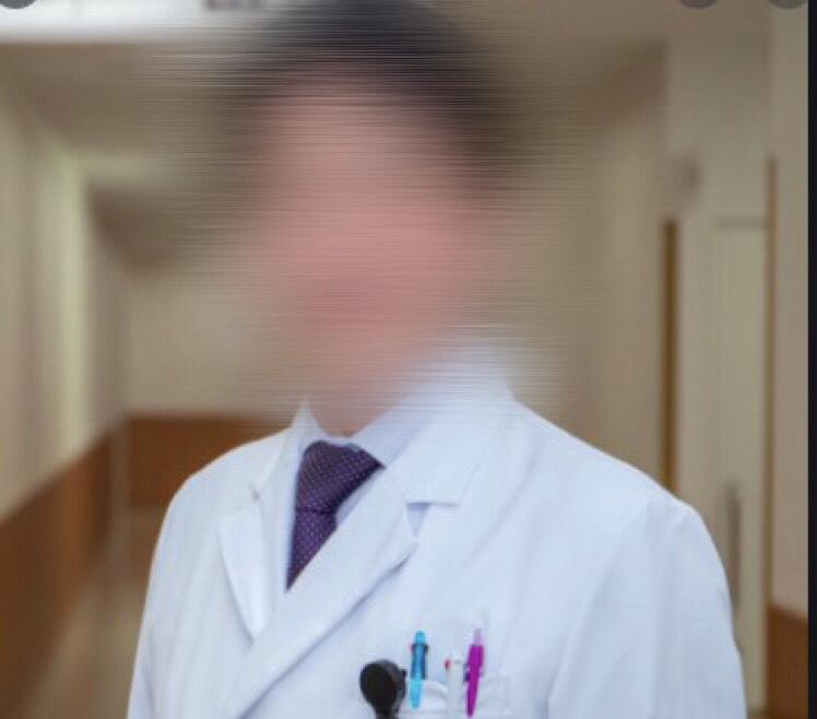 赤木滋医師、岡山、赤木滋容疑者、医者、JR姫路駅、相生市病院、播磨病院、facebook、フェイスブック、顔画像、スマホ盗撮、ロリコンの医者