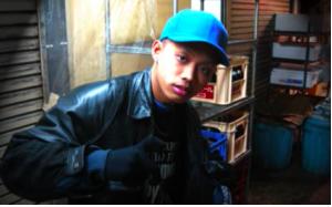 ラップグループの舐達麻(なめだるま)のラッパーG PLANTS(ジープランツ)本名:本多勇翔(ほんだはやと)容疑者とDELTA9KID(デルタナインキッド)本名:広井大輔(ひろいだいすけ)容疑者2人が埼玉県内の自宅で大麻を所持していた疑いで逮捕されました。残るメンバーのBADSAIKUSH(バダサイクッシュ)だけ逮捕されていないと話題になっています。インスタグラム(instagram)顔写真や、バダサイが逃げ切れた理由に繋がるケニーGの過去の発言、大麻栽培疑惑、歌詞、彼女、熊谷市、kennyG